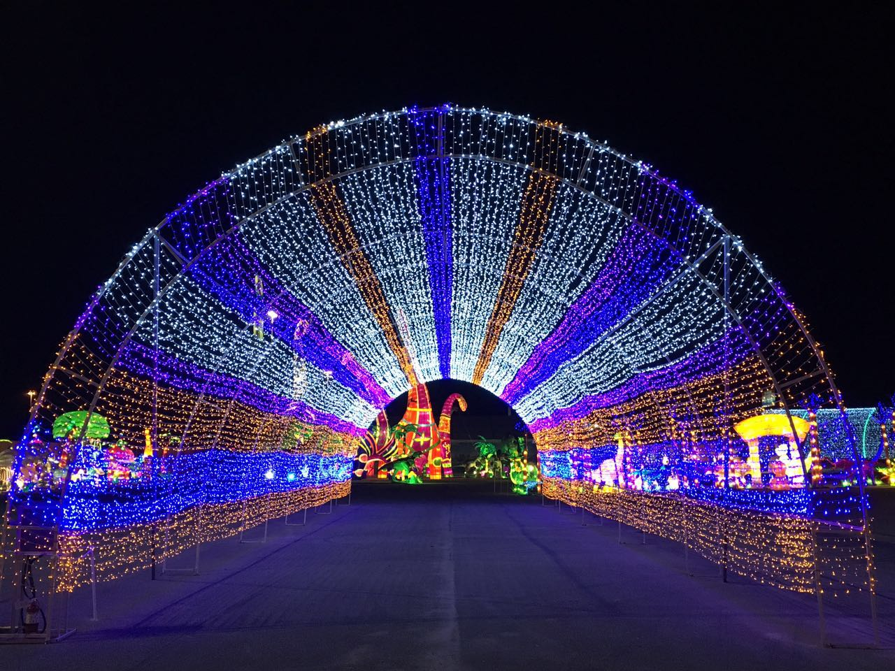 Gtd Lights Up The Largest Holiday Light Festival In
